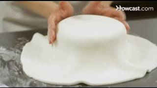 How To Cover A Cake With Fondant | Cake Decorations