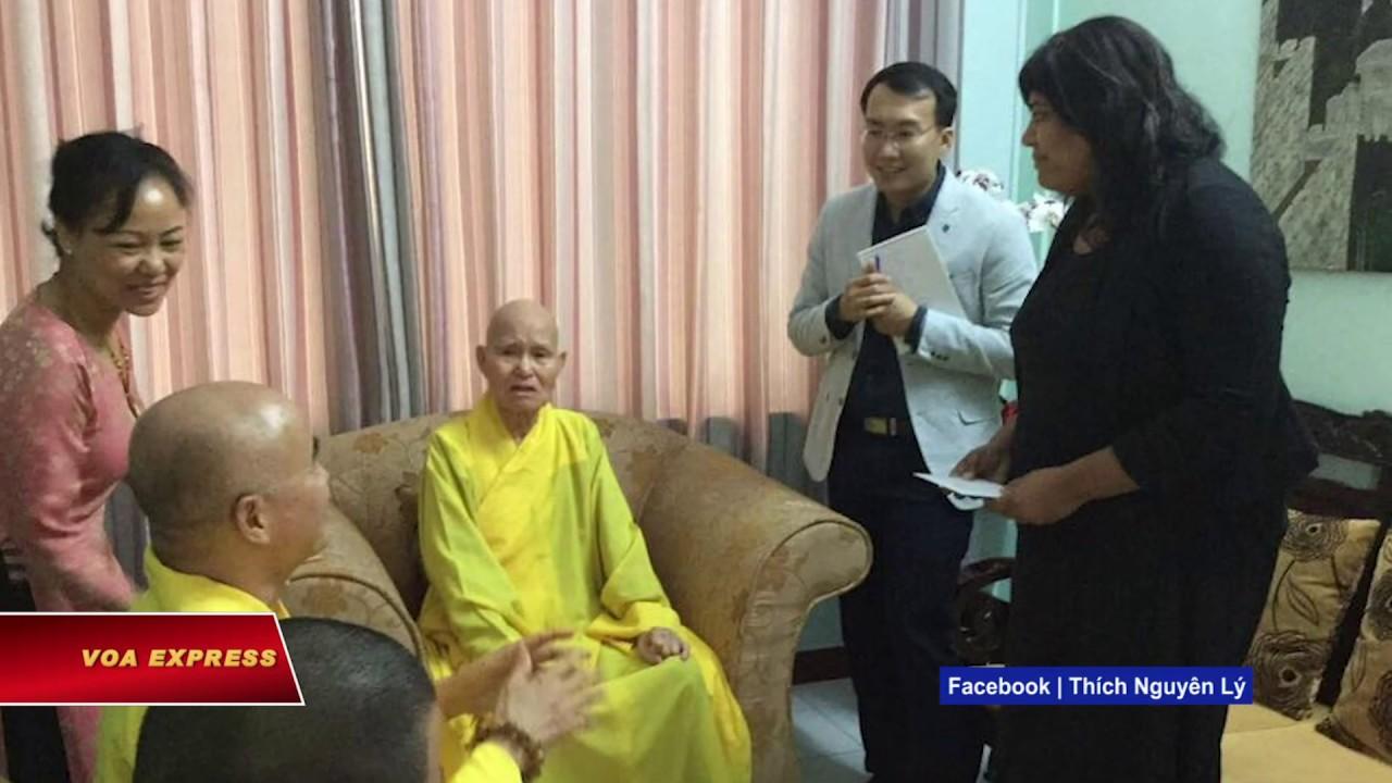 Phái đoàn Ủy ban Tự do Tôn giáo Quốc tế Mỹ thăm Hòa thượng Thích Quảng Độ (VOA)