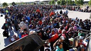Изнасилования в караване мигрантов. Правозащитник о притеснениях ЛГБТ-беженцев