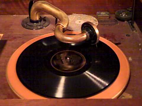 FRED RICH'S HOTEL ASTOR ORCH. VAUGHN De LEATH - THE MAN I LOVE - ROARING 20'S VICTROLA