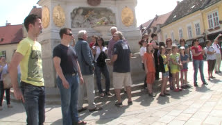preview picture of video 'Götterfunkenflashmob am 10. Mai 2013 am Hauptplatz in Baden bei Wien'