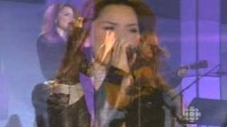 Shania Twain - She's Not Just A Pretty Face (Live)