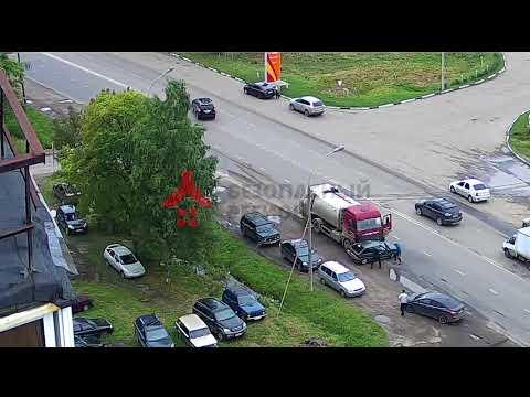 В Ярославле погиб водитель жигулей от удара мусоровоза
