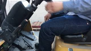 How to operate forklift