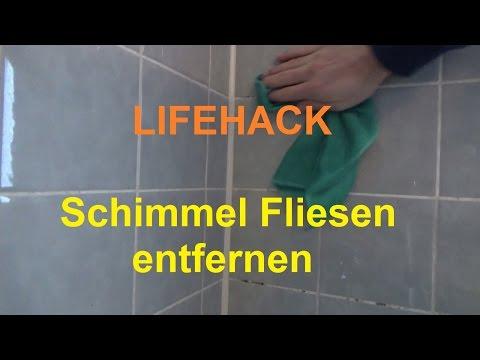 Badezimmer Fliesen Schimmel beseitigen Bad Schimmel Fliesenfugen entfernen sauben machen reinigen