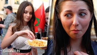 Rusas probando chile mexicano. Picoso pero sabroso