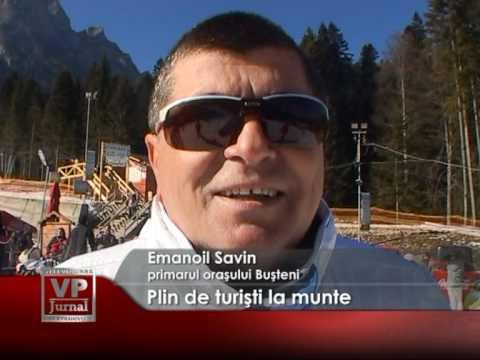 Plin de turişti la munte