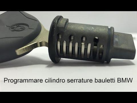 Programmare il cilindro delle serrature di bauletti BMW Motorrad