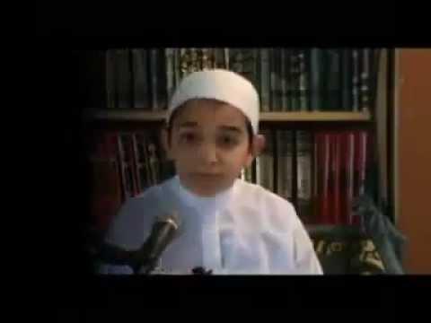 ребенок очень красиво читает Коран МашаАЛЛАХ нет слов