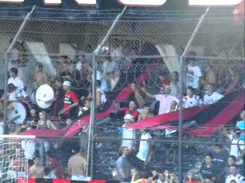 """La barra del Dragon - Defe Belgrano x Brown (A)"" Barra: La Barra del Dragón • Club: Defensores de Belgrano"