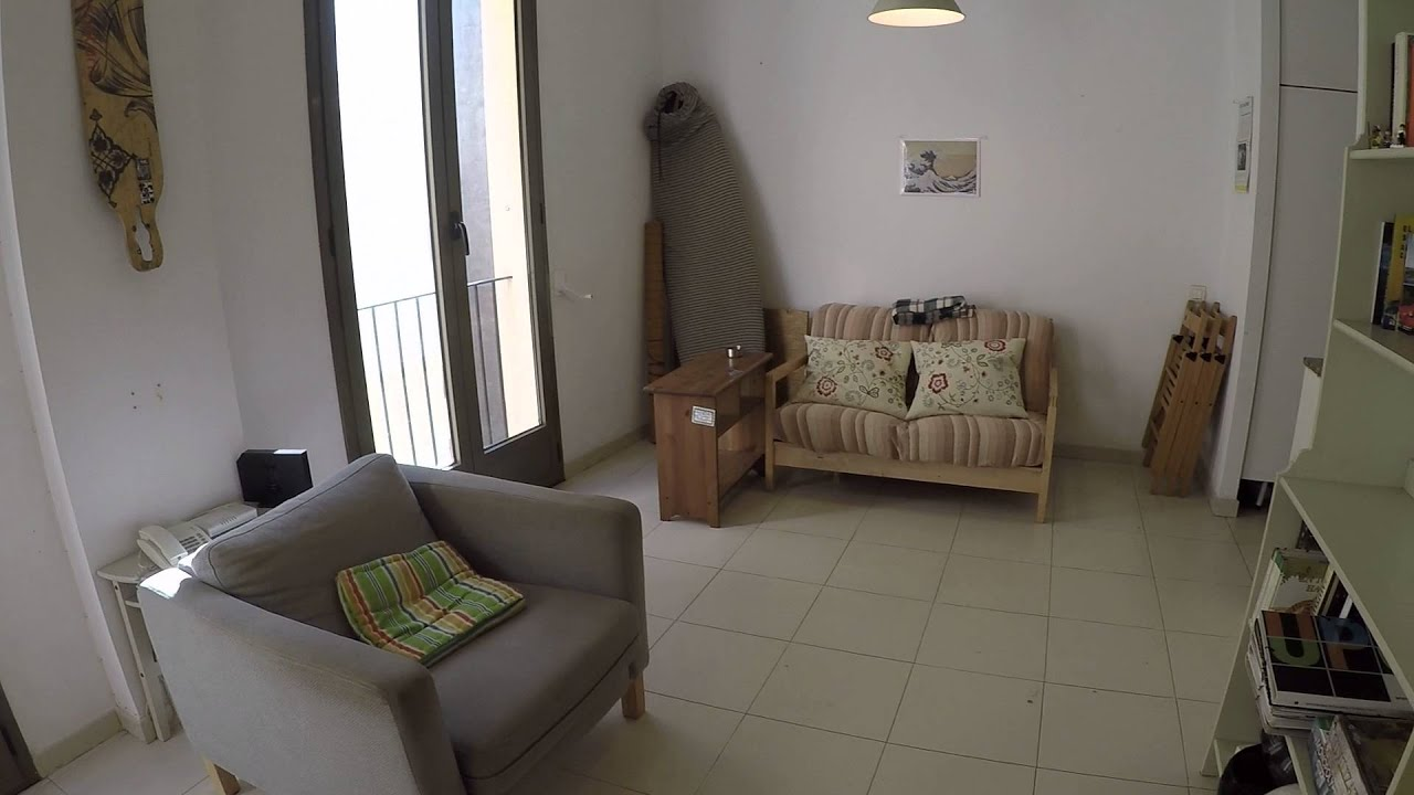 Welcoming room with window view interior patio in shared apartment, El Born