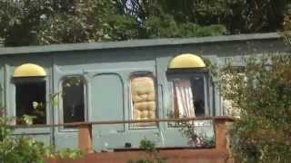 preview picture of video 'victorian railway carriage in a garden - isle of wight'