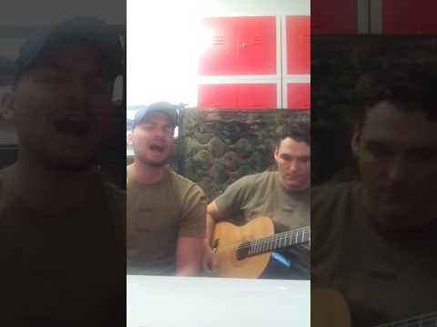 """Bundeswehr Soldat singt """"80 Million"""" cover von Max Giesinger"""