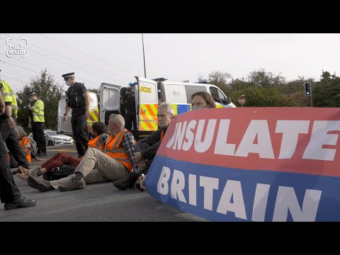 INSULATE BRITAIN – civil disobedience on the M25