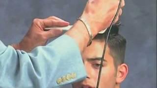 Смотреть онлайн Урок обучение: как стричь машинкой мужскую прическу