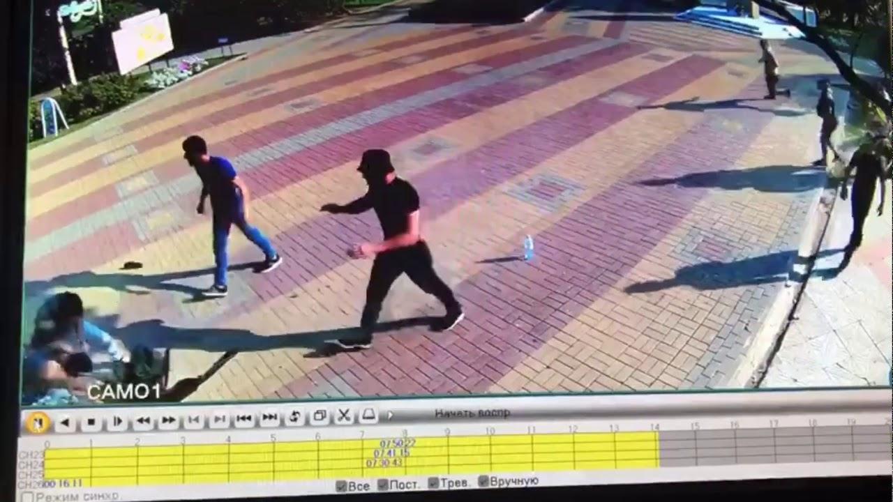Жестокое избиение 15 мужчинами троих подростков в Сочи