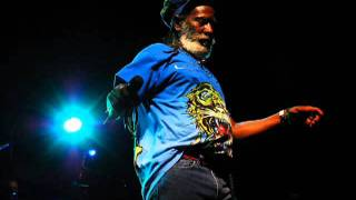 Burning Spear Old Marcus Garvey + dub version