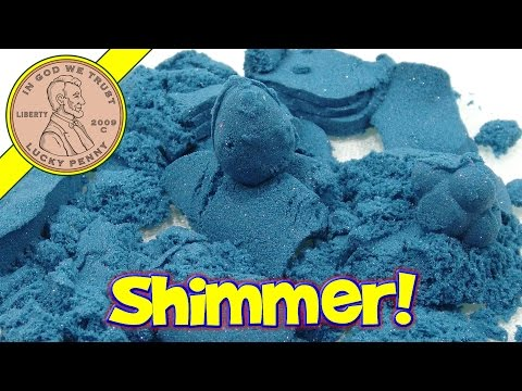 Shimmering Sapphire Kinetic Sand - Oooh shimmers in the dark!