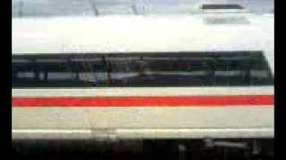 preview picture of video 'ICE 3 mit 300 km/h durch Montabaur'