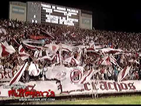 """""""A ver si ponen huevos"""" Barra: Los Borrachos del Tablón • Club: River Plate • País: Argentina"""