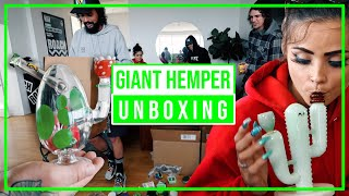 UNBOXING 40+ BONGS & 100+ ACCESSORIES FROM HEMPER CO!! by HighRise TV