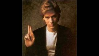 Daryl Hall don't leave me alone with her.wmv
