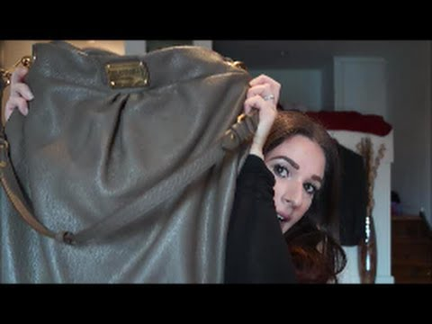 What's In My Purse?! Marc by Marc Jacobs Classic Q Huge Hillier Hobo | MonicaBorowik