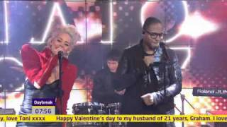 Пуссикет долс, Taio Cruz ft. Kimberly Wyatt Performing Higher Live Daybreak