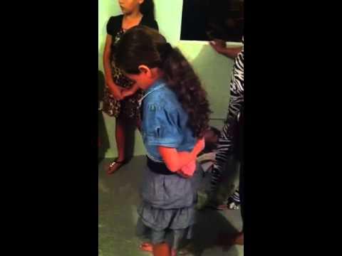 Evang. Robert Walker Espíritu Santo tocando a las niñas