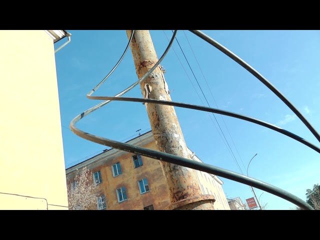 У Дворца творчества бросили подключённый кабель