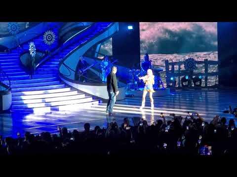 Blake Shelton Gwen Stefani - Nobody But You (Live In Las Vegas)