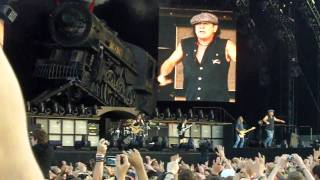 Download 2010 - AC/DC - Thunderstruck
