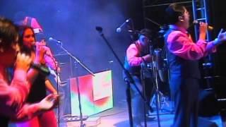 VIDEO: BESOS DE CARAMELO