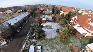 Winter FPV flight around the yard