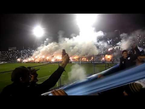 """""""Recibimiento - atletico tucuman vs Petrolero de Bolivia"""" Barra: La Inimitable • Club: Atlético Tucumán"""