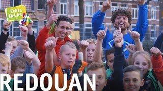 Vriend Diego ontmoet held Redouan hij is een voorbeeld voor alle kinderen