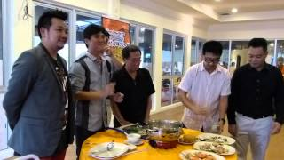 preview picture of video 'How To Eat Steamboat'