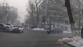 Аварии на дорогах, приколы на дороге 2018 00261