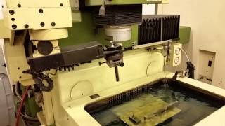 Makino EDNC-32 CNC EDM Sinker with C-Axis and Electrode Changer