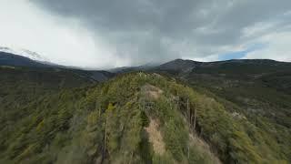 FPV drone alpes avant orage
