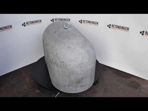 Jumboblok beton met rvs m16 schroefhuls voor een oogbout.