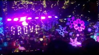 "Charice ""Grown Up Christmas List"" Live @ The Grove, L.A. = 11/21/10"
