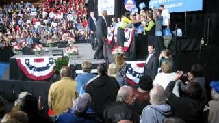 preview picture of video '60 Seconds Ohio: Michelle Obama greets greeters in Delaware, Ohio Monday'