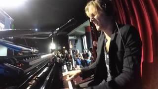 AK Headphones Concert feat. Maarten Rischen – Purple Rain