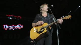 Keith Urban's 2016 Artists Tribute - New Year's Eve
