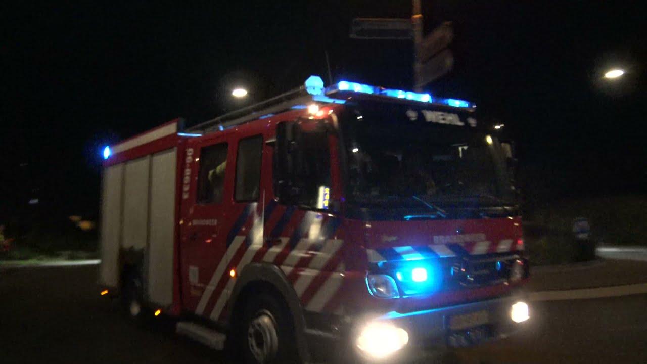 Brandweren met Spoed naar een Zeer grote Brand in Didam Parketbedrijf aan de Parallelweg Opschaling