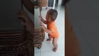 Bayi Asyik Goyang Nasi Padang