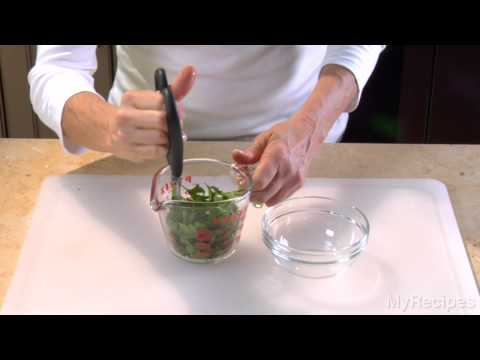 How to Easily Mince Parsley Using Only Scissors