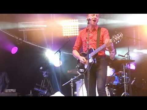 Eugène McGuinness - All In All - Festival Soirs d'été - 08.07.2014