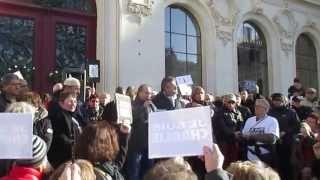 preview picture of video 'Je suis Charlie - Rassemblement républicain à Poitiers, dimanche 11 janvier 2015.'